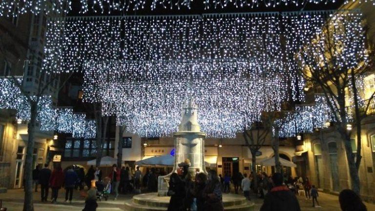 Lee más sobre el artículo Las luces de navidad de Vigo desde el sofá de tu casa