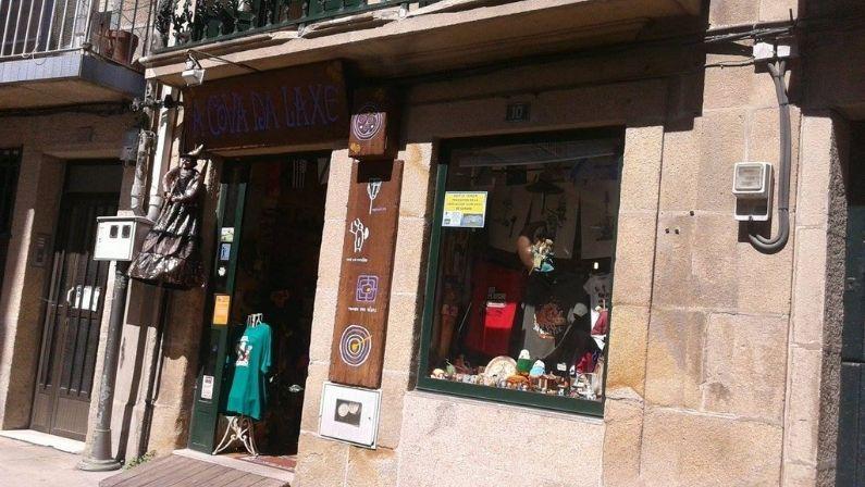 A Cova da Laxe dice adiós en el Centro Histórico de Cangas