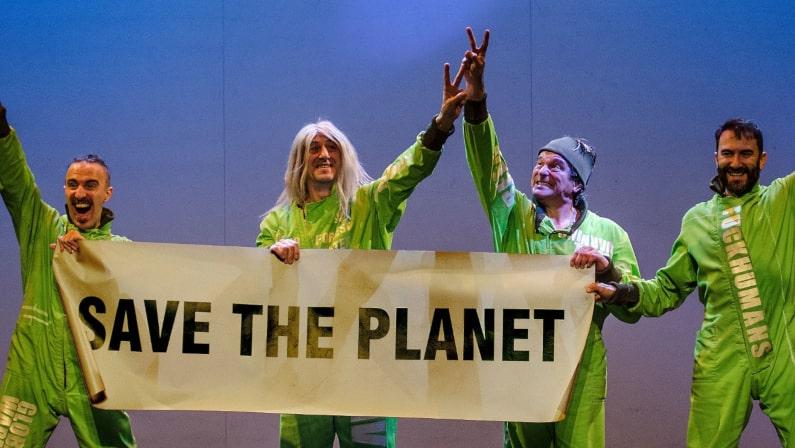 Lee más sobre el artículo Greenpiss  | Yllana Teatro | Vigocultura
