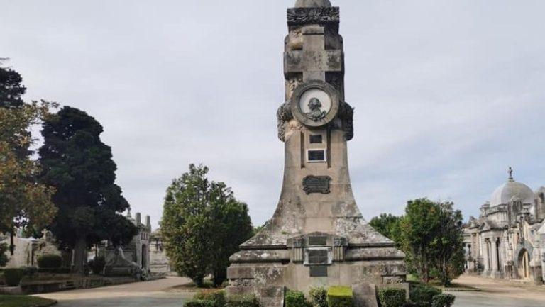 Lee más sobre el artículo Vuelven las visitas teatralizadas al cementerio de Pereiró