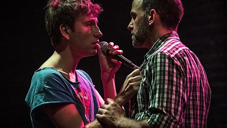 Lee más sobre el artículo Los abrazos huecos   Teatro en Vigo